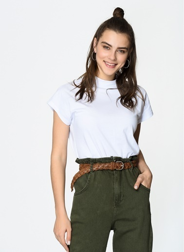 Loves You Dik Yaka Kare Form %100 Cotton T-Shirt Beyaz